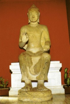 One of the four Buddhas of Wat Phra Men in Nakhon Pathom at the Chao Sam Phraya Museum
