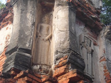 Stucco of northwestern chedi