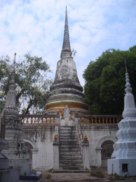 The chedi of Wat Ratana Chai