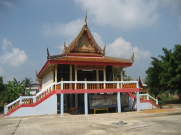 Vihara on ancient premises of Wat Sri Pho